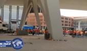 عمال مطار جدة يمتنعون عن العمل لحين سداد مستحقاتهم المتأخرة والشرطة تتدخل