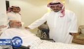 بالفيديو.. رئيس الهلال يزوز المشجع هاجد السبيعي