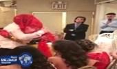 بالفيديو.. نوبة بٌكاء تُصيب أب بعرس ابنته