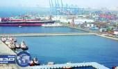 إيقاف الملاحة في ميناء جدة بفعل التقلبات الجوية