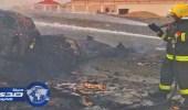 بالصور .. اخماد حريق نشب بكميات كبيرة من الكراتين داخل فناء برنية