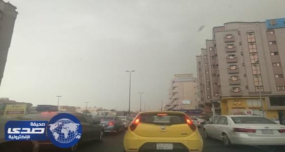 أمانة جدة تتأهب بتفعيل الطوارئ بعد سقوط أمطار غزيرة