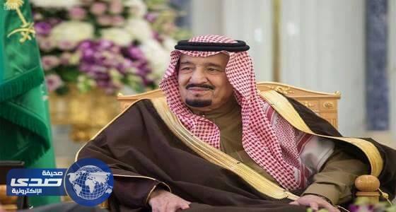 خادم الحرمين يستقبل المشايخ أئمة ومؤذني المسجد الحرام و وزير الحج والعمرة