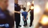 مدرسة أمريكية تستعمل العنف ضد طفل من ذوي الأحتياجات الخاصة وتُكبل يديه