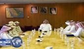 معالي وكيل وزارة الحرس الوطني يلتقي مدير برنامج التعاملات الالكترونية الحكومية (يسر)