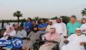 بالصور.. الأمير نايف بن ثنيان يكرم مجموعة من نزلاء مستشفى النقاهة