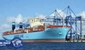 أكبر سفينة حاويات في العالم تعبر قناة السويس المصرية