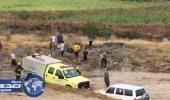 بالفيديو.. إنقاذ مواطن علق بمركبته وسط «سيول وادي ريم» برجال ألمع