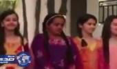 بالفيديو.. أنشودة لطفلة تبكي من فراق أمها