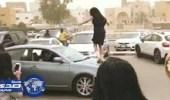 وزارة التربية في الكويت تحقق في رقص طالبات على السيارات