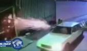 بالفيديو.. إرهابيون يطلقون أعيرة نارية بشكل عشوائي على منزل بحي المسورة