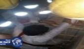 """"""" مدني عرعر """" ينقذ شاب سقط في بركة مياه بالصناعية"""