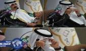 بالفيديو.. متعب بن عبدالله يذرف الدمع حباً في الشعب السعودي