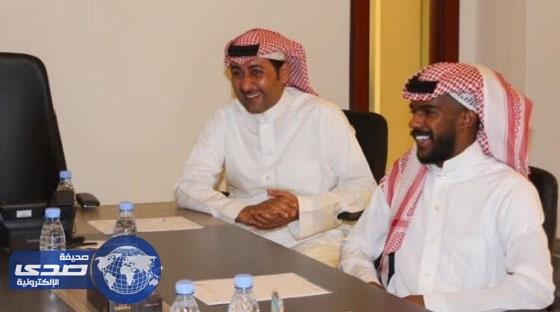 العابد يزور جمعية أصدقاء لاعبي كرة القدم الخيرية