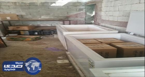 امانة العاصمة المقدسة تضبط مصنع معجنات عشوائي يديره (8) عمال مخالفين بمكة