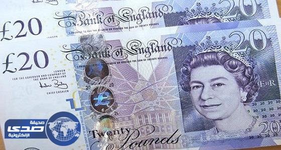 الاسترليني يسجل أعلى مستوى في عشرة أيام مقابل الدولار