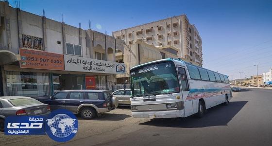 """الجمعية الخيرية لرعاية الأيتام """" أكناف """" بالباحة تنظم رحلة عمرة لـ 140 يتيماً وأمهاتهم"""