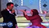 بالفيديو.. دويتو طريف لعروسين في خطوبتهما