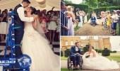 بالصورة.. عريس يتمكن من الوقوف بحفل زفافه بعد اصابته بالشلل لسنوات