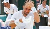 بالصور.. عقب خسارته لاعب تنس ينهمر في البكاء حزنا على والده الراحل