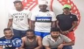محاكمة حراس أمن سطوا على سيارة نقل أموال في دبي