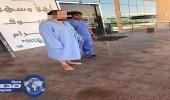 شاب يسير على قدميه مجدداً بعد إصابته بالشلل