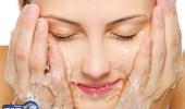 أحذري 6 عادات يومية تدمّر بشرتك