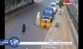 بالفيديو.. سائق يختطف حقيبة فتاة ويسحلها خلفه لعشرات الأمتار