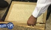 بالصور.. جمارك مطار الإحساء تضبط 110 آلاف حبة مخدرة داخل طاولة خشبية