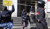 مهاجر يطعن رجل شرطة في محطة قطارات ميلانو