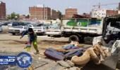 بلدية مكة تزيل المباسط العشوائية وتصادر المواد الغذائية