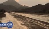 بالصور.. هطول أمطار متوسطة على ينبع والعيص