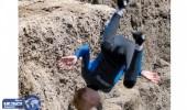 بالصور.. طفل يسقط عن ارتفاع 30 قدماً والقدرة الإلهية تنقذه
