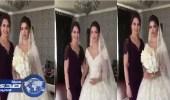 بالفيديو.. مصور يظن أٌم العروس شقيقتها الصغرى لجمالها ورشاقتها