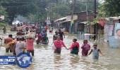 قتلى ومصابين بالملايين إثر فيضانات وزلازل في دول جنوب آسيا