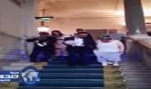 بالفيديو.. شاب مغربي يتزوج بمسنة