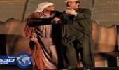 """بالفيديو.. فايز المالكي يتبرع بعائد مسرحية """" بايعها """""""