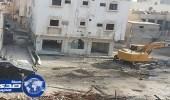 محافظ القطيف يكشف حقيقة مزاعم إجبار الأهالي على ترك مساكنهم بحي المسورة