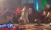بالفيديو.. مجنونة نوال الزغبي تحمل نجوى كرم وتلف بها المسرح