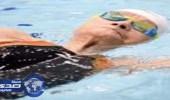 """بالفيديو.. مٌسنه """" مئوية """"  تسبح لمسافة 1500 متراً خلال ساعة"""