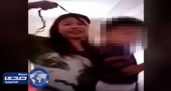 بالفيديو.. زوجة تشنق طفلها الصغير انتقاماً من زوجها