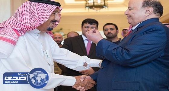 خادم الحرمين الشريفين يبحث مع هادي الأوضاع في اليمن