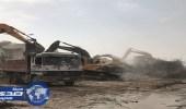 بالصور.. أمانة الشرقية تنهي 60% من أعمال الإزالة في المسورة