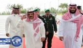 ملك البحرين يؤكد وقوف بلاده إلى جانب المملكة في تصديها للإرهاب