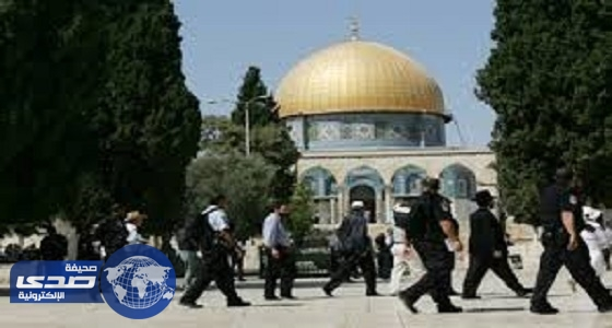 مستوطنون يهود يقتحمون الأقصى