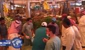 ضبط 22 عامل ومصادرة 14 عربة خضار وفاكهة في البطحاء