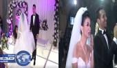 بالفيديو.. والدة العريس وشقيقته تعدان مفاجئة لعروسة في حفل الزفاف