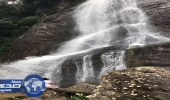 مواطن يغير اسم موقع سياحي في سريلانكا