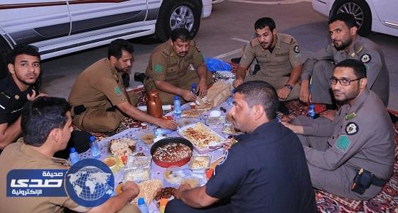 بالصور.. جماهير الأهلي تقيم مأدبة إفطار بمدينة الملك عبد الله