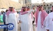 بالصور.. نائب أمير مكة يزور غرفة عمليات أمن المسجد الحرام